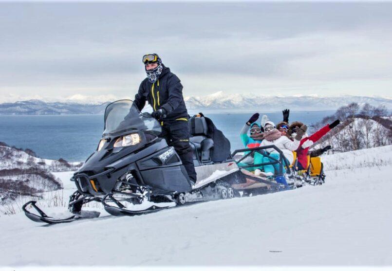 Снегоходная экскурсия к мысам Маячный и Вертикальный